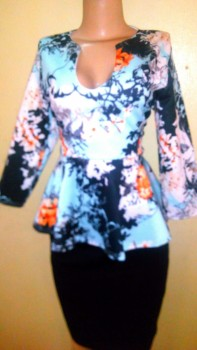 Floral peplum with 3 QTS sleeves. NGN 6, ,700 SOLD OUT