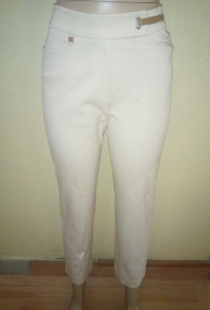Light cream stretch Capri pants by Ralph Lauren. NGN 7,500